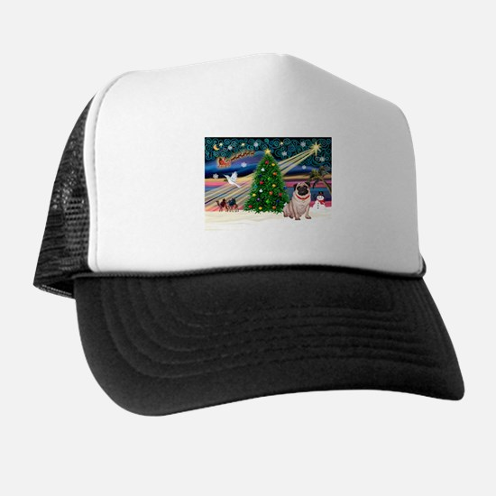Xmas Magic/Pug (21F) Trucker Hat
