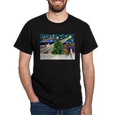Xmas Magic & Vizsla T-Shirt