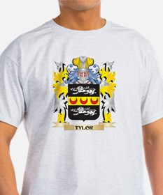 Tylor Family Crest - Coat of Arms T-Shirt