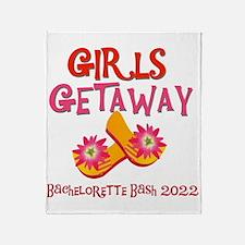 Girls Getaway 2017 Throw Blanket