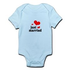 Just Married Infant Bodysuit