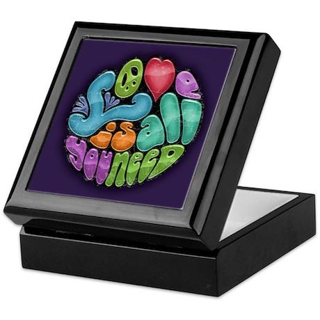 Love Is All You Need -rnd Keepsake Box