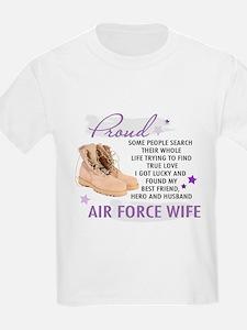 Unique Airman mom T-Shirt