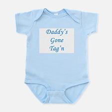 Infant Creeper - Dad's tag'n - Boy