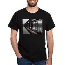8 lane bridge, Hudson River Black T-Shirt