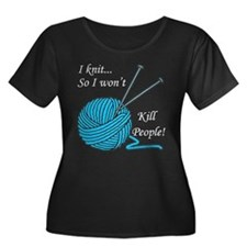 I knit Women's Plus Size Scoop Neck Dark T-Shirt