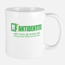Antidentite kramer Mug