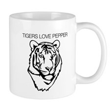 Tigers love pepper Mug