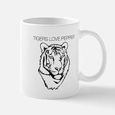Tigers love pepper Mug