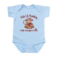 Holds grandpas heart Infant Bodysuit