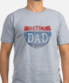 SINGLE DAD AVAILABLE Men's Fitted T-Shirt (dark)