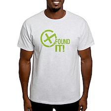 Geocaching FOUND IT! green Grunge T-Shirt