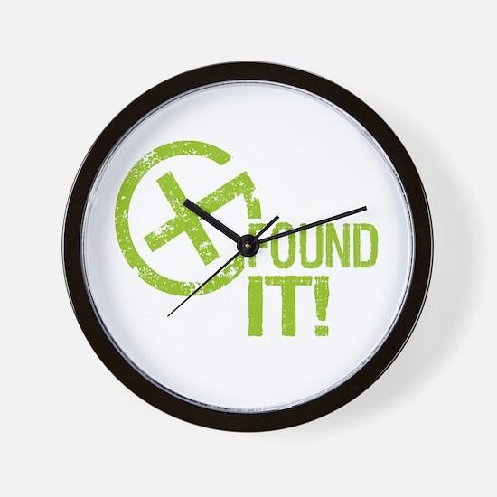 Geocaching FOUND IT! green Grunge Wall Clock