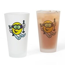 Smile Face Skiing Pint Glass