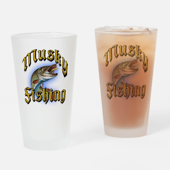 Musky Fishing 2 Pint Glass