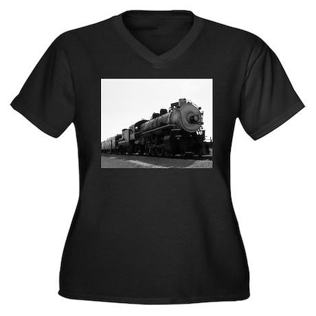 Black and White Steam Engine Women's Plus Size V-N