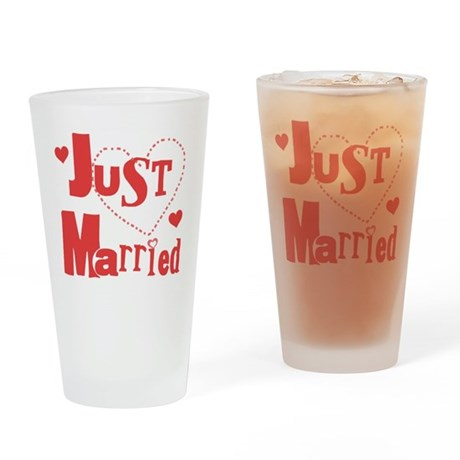 Just Married Red Pint Glass