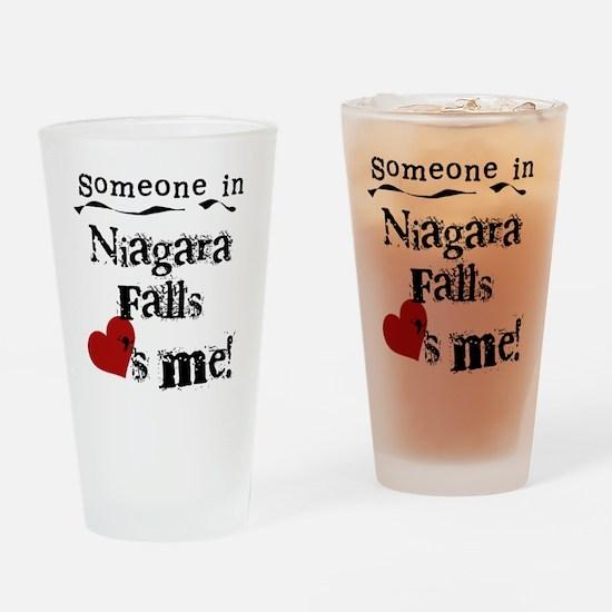 Niagara Falls Loves Me Pint Glass