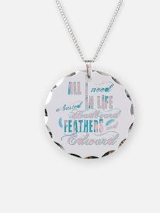 Headboard feathers & Edward Necklace