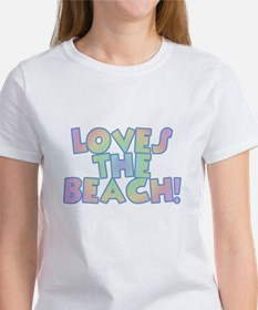 Loves the Beach Women's T-Shirt