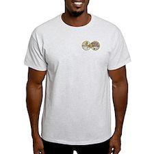 """""""Travel Addict"""" PhotoSplash Ash Grey T-Shirt"""