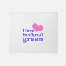 i love bethnal green (pink/pu Throw Blanket