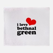 i love bethnal green (red/bla Throw Blanket