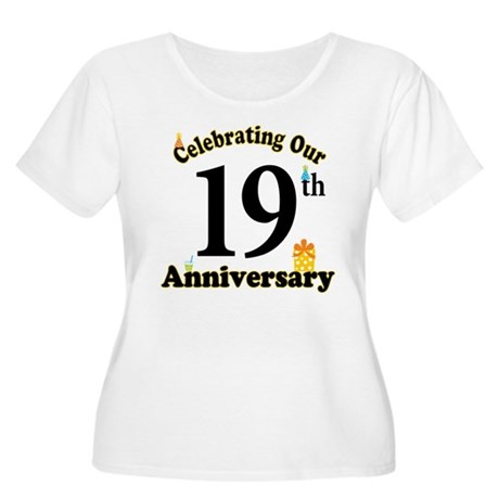 19th Anniversary Party Gift Women's Plus Size Scoo