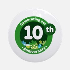 10th Anniversary Green Gift Ornament (Round)
