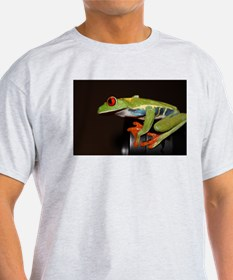 Unique Red eyed tree frog kids T-Shirt