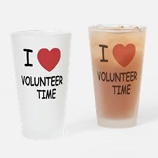 I heart volunteer time Drinking Glass