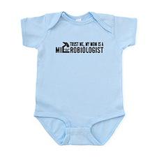 Microbiologist Mom Infant Bodysuit
