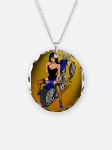 La Belleza Latina Pin-up Necklace