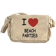 I heart beach parties Messenger Bag