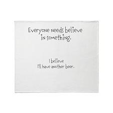 MMmmm beer Throw Blanket