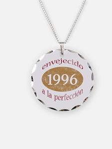 Envejecido A La Perfección (1996) Necklace
