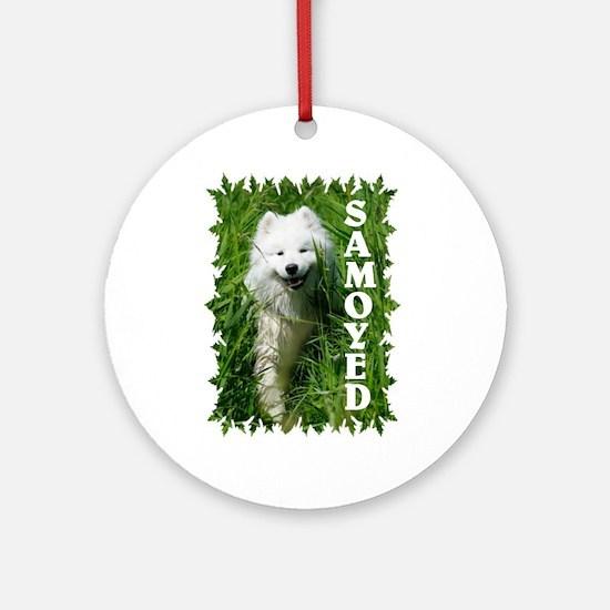 Samoyed In Grass Ornament (Round)