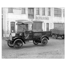 Witt Will Delivery Truck, 1915 Canvas Art
