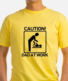 Caution! Dad at Work! Baby Di T