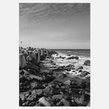 A calm day at the Pacific Ocean Black/White