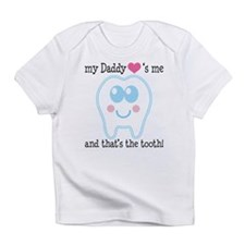 Daddy Hearts Me Infant T-Shirt