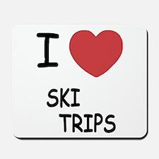 I heart ski trips Mousepad