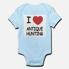 I heart antique hunting Infant Bodysuit