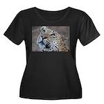 Leopard Portrait Women's Plus Size Scoop Neck Dark