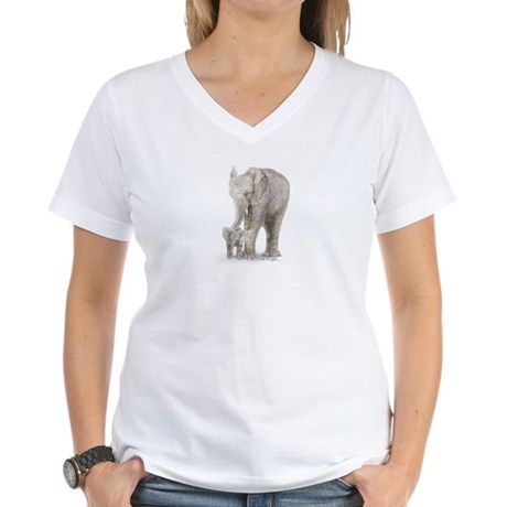Mother and baby elephant Women's V-Neck T-Shirt