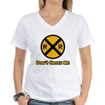 Dont cross me Women's V-Neck T-Shirt