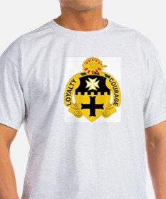 DUI - 1st Sqdrn - 5th Cavalry Regt T-Shirt