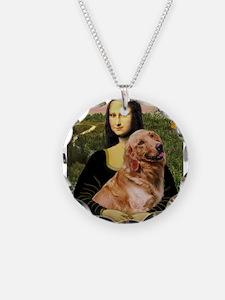 Mona's Golden Necklace