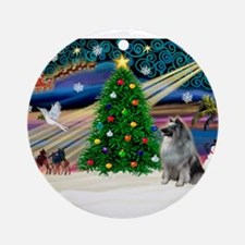 Xmas Magic & Keeshond Ornament (Round)