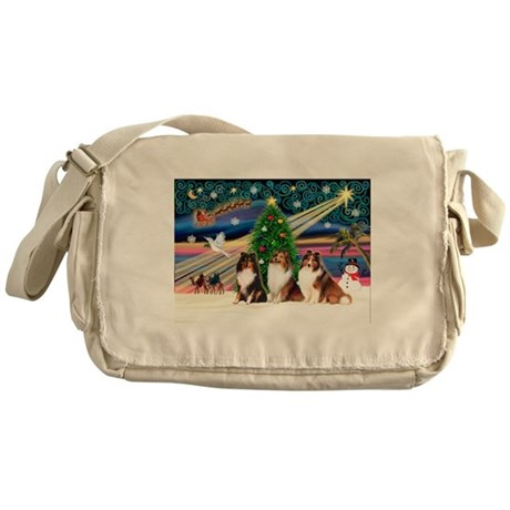 Xmas Magic/3 Shelties (T3) Messenger Bag